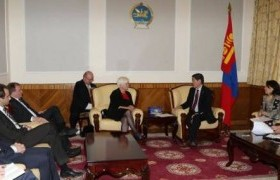 Н.Батцэрэг сайд ХБНГУ-ын төлөөлөгчдийг хүлээн авч уулзлаа