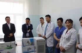 НАМЗХ: Алтан сарнай наадмын хандивын тоног төхөөрөмжүүдээ эмнэлэгүүдэд гардууллаа