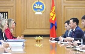 Монгол Улсад хөрөнгө оруулалт хийх хүсэлт тавилаа