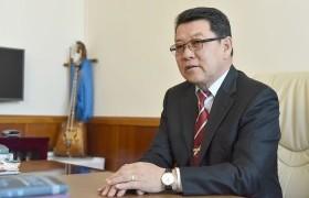 Ч.Улаан: Монголын нийгэмд бүхэлдээ задрал руу явж байна