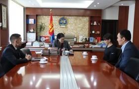 Ази тивийн гурван удаагийн аварга Г.Угалзцэцэгт хүндэтгэл үзүүллээ