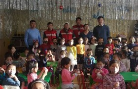 1500 ширхэг амны хаалт бэлэглэжээ
