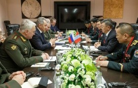 Монгол, ОХУ-ын Батлан хамгаалахын сайд нар уулзлаа