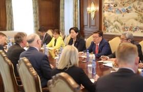 Монгол-Америкийн худалдаа, хөрөнгө оруулалт, бизнесийн салбарын хамтын ажиллагааг өргөжүүлэх боломж байна
