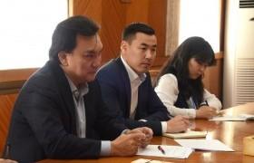 УИХ-ын гишүүн Б.Батзориг Бүгд Найрамдах Солонгос Улсын Үндэсний Ассамблейн гишүүн Вон Юү Чолийг хүлээн авч уулзав