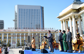 Дорноговийн 1000 бүжигчин Нийслэлд бүжиглэв