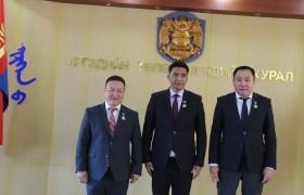 Улаанбаатар хотын 380 жилийн ойн медаль гардууллаа