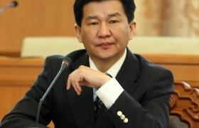 Ц.Даваасүрэн: ОУВС монголчуудыг, татвар төлөгч нарыг шахах гэсэн бодлого явуулаад байна