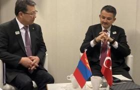 Турк Улсын Хөдөө аж ахуй, ойн аж ахуйн сайд Бекир Пакдемирлитэй уулзлаа