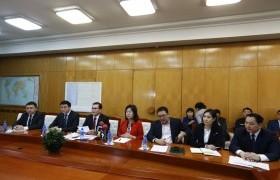 Уханьд байгаа 31 монгол оюутныг шуурхай татна
