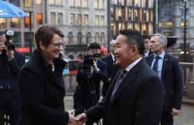 Норвегийн Парламентын Ерөнхийлөгч хатагтай Тоне Уихельмсен Троэнтэй уулзлаа