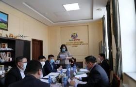 Хан-Уул дүүргийн ИТХ-ын тэргүүлэгчид хуралдлаа