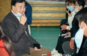 Дархан-Уул аймгийн Хонгор сумын иргэдтэй хийх уулзалтаа эхлүүллээ