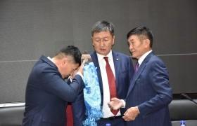 Х.Нямбаатар: Монгол төрийн туршлагатай, дархан улс төрчөөс ажил хүлээн авч, өндөр хариуцлага оногдож байна