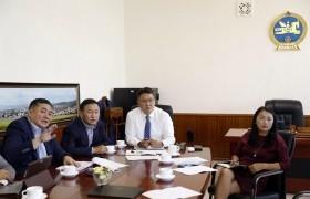 Төсвийн байнгын хорооны дарга Б.Жавхлан Монгол 2020 оны төсвийн тодотголын асуудлаар Сангийн яамныхантай санал солилцлоо
