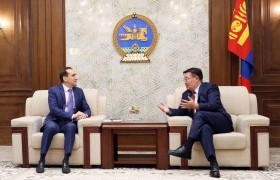 Улсын Их Хурлын дарга Г.Занданшатар Дэлхийн Банкны Суурин төлөөлөгч Андрей Михневийг хүлээн авч уулзав