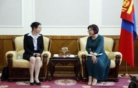 УИХ-ын дэд дарга С.Одонтуяа Канад улсаас Монгол Улсад суугаа Элчин сайд Кэтрин Ивкофыг хүлээн авч уулзлаа