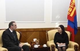 Монгол-Британийн парламентын бүлгийн дарга Ч.Ундрам Элчин сайд Филип Малоуныг хүлээн авч уулзлаа
