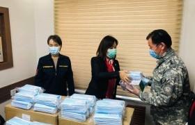 М.Оюунчимэг гишүүн Чингэлтэй ДОК-т 50,000 амны хаалт, бээлий хандивлалаа