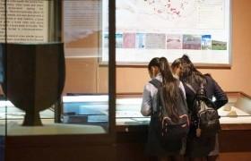ШИНЭ ХУУЛЬ: 16 хүртэлх насны хүүхэд музей үнэ төлбөргүй үзнэ