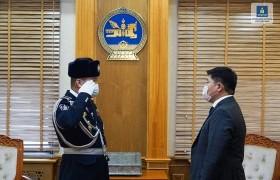 Монголын цагдаагийн байгууллага хоёр үйлчилгээний гавьяат алба хаагчтай боллоо