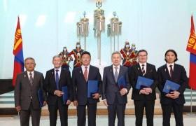 Ерөнхийлөгчийн зарлигийн дагуу дипломат цол хүртээлээ