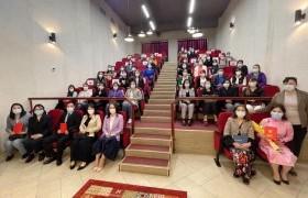 УИХ-ын гишүүн Ц.Мөнхцэцэг Сүхбаатар дүүргийн ЕБС-ийн багш ажилтнуудтай уулзлаа