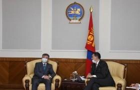 Байнгын хорооны дарга Б.Баттөмөр Элчин сайд И.К.Азизов нар хамтын ажиллагааны талаар санал солилцов