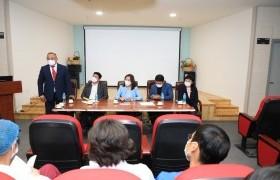 НББХ-ны ажлын хэсэг Улсын хоёрдугаар төв эмнэлэг болон Сүхбаатар дүүргийн эмнэлэгт ажиллаж, эмч мэргэжилтнүүдийн саналыг сонсов