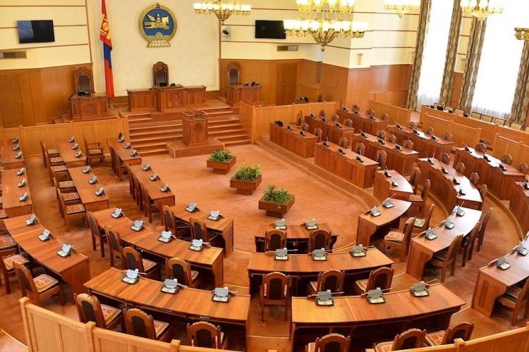 Монгол Улсын Их Хурлын тухай хуульд өөрчлөлт оруулах төсөл өргөн барилаа