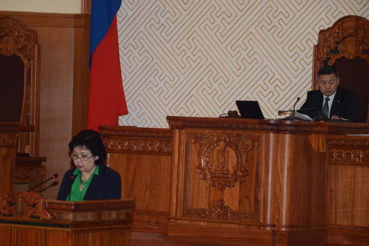 Монгол Улсын Ерөнхийлөгчийн сонгуулийн тухай хуулийн төслийг эцсийн хэлэлцүүлэгт шилжүүлэв