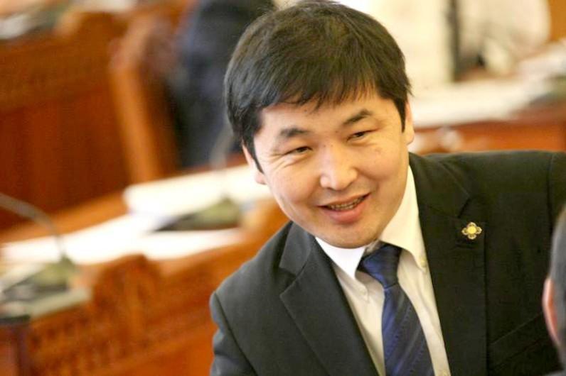 О.Баасанхүү: Н.Энхбаяр дарга Монголд ирээгүй