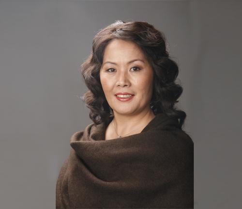 У.Бурмаа: Эмэгтэйчүүд нөхрөө болж, бүтэхгүйгээр дуудах нь ихэсвэл гэргий биш авгай болсоноо ухаарах хэрэгтэй