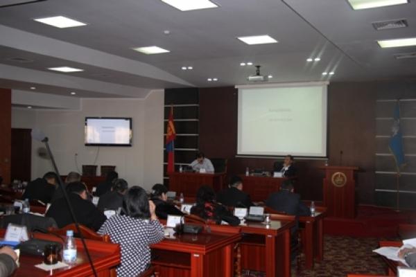Хотын ерөнхий менежер Б.Бадрал Баянзүрх дүүргийн ИТХ-ын Төлөөлөгчидтэй ажлын уулзалт хийлээ