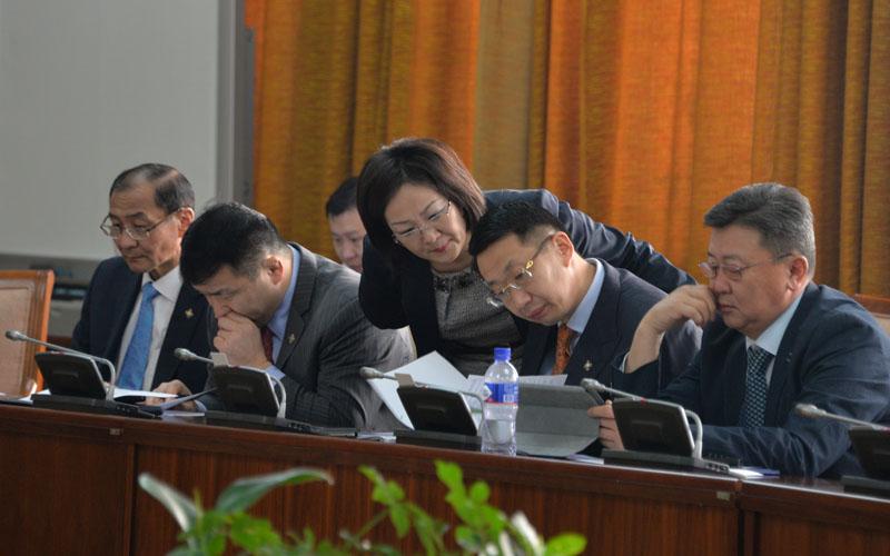 Монгол хэлний тухай хуулийн төслийн эцсийн хэлэлцүүлгийг хийлээ
