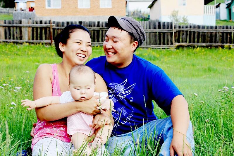 Аз жаргал хайсан гэр бүл