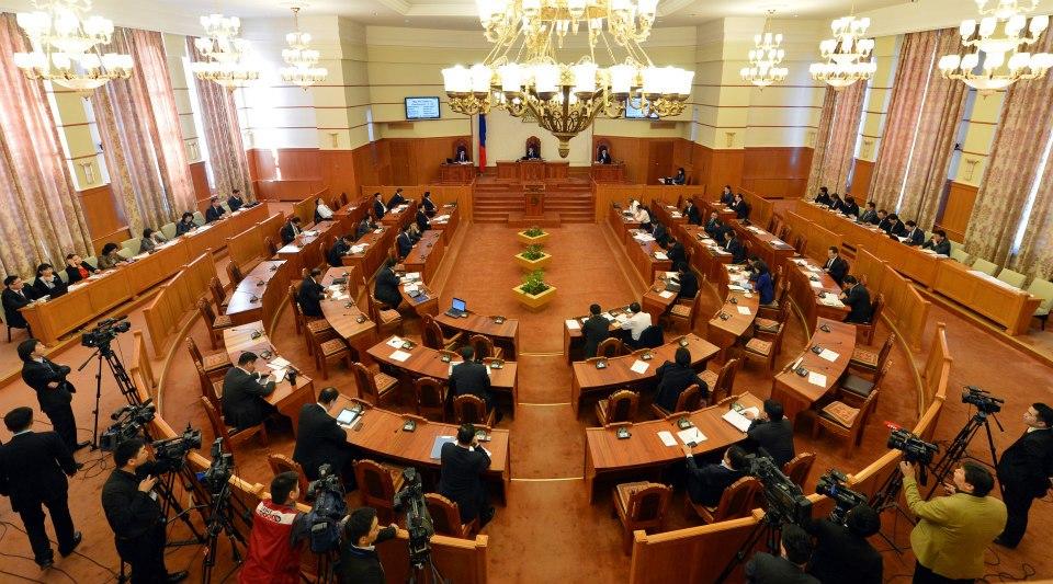 Ерөнхий сайдыг огцруулах саналыг 17 гишүүн дэмжсэн