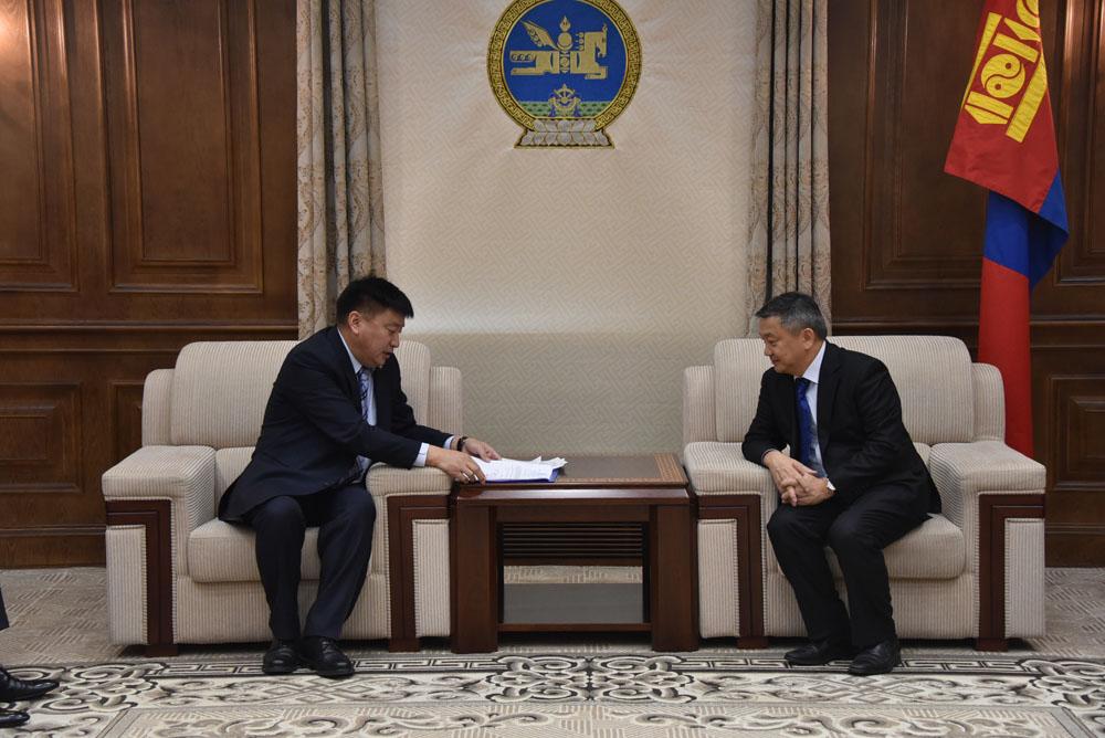 Монгол Улсын Их Хурлын сонгуулийн тухай хуульд нэмэлт, өөрчлөлт оруулах тухай хуулийн төслийг өргөн барив