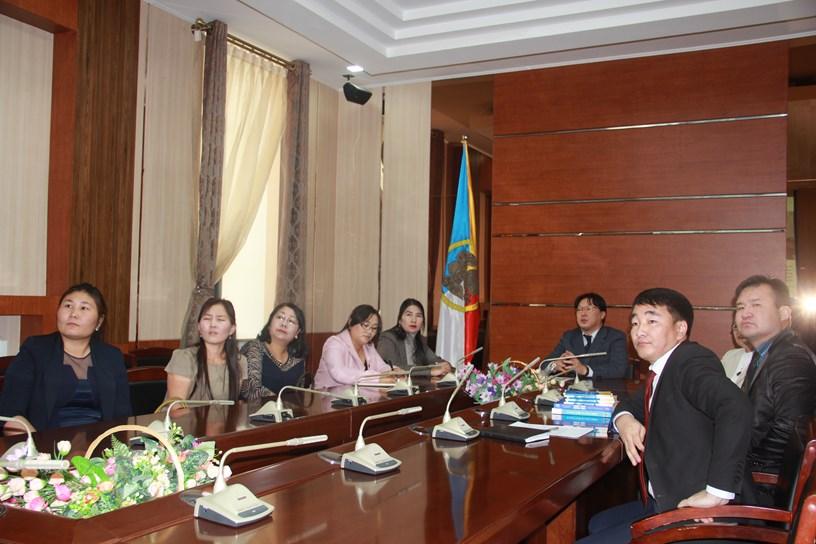 Хан-Уул дүүргийн ИТХ-ын Ажлын алба харилцан туршлага солилцлоо