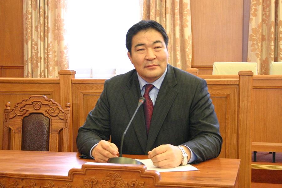 Энэ засгийн газартай үлдвэл Монголчууд улам том алдах болно
