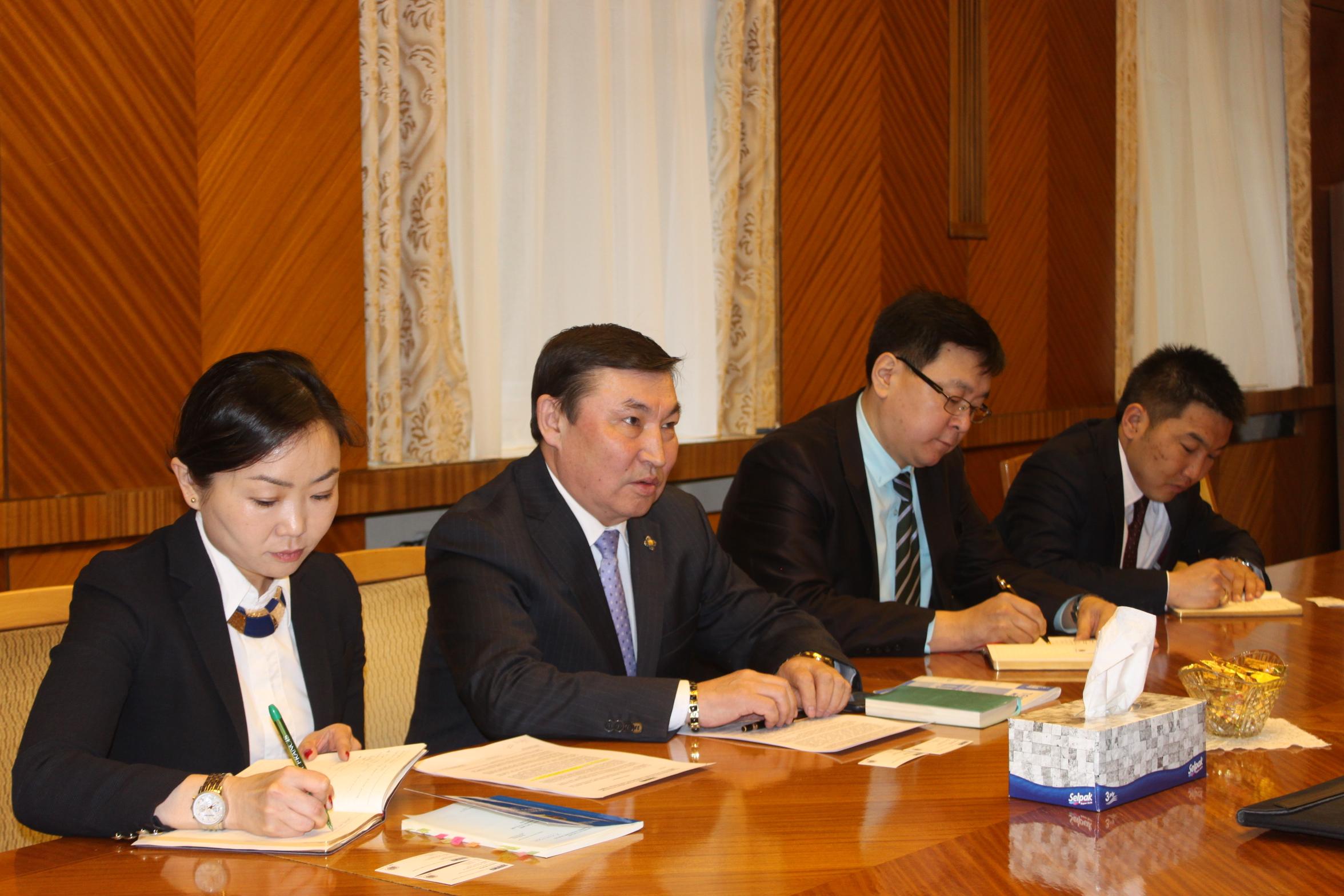 Байнгын хорооны дарга А.Бакей Монгол Улсын сонгуулийн тухай хуулийн талаар мэдээлэл өгөв