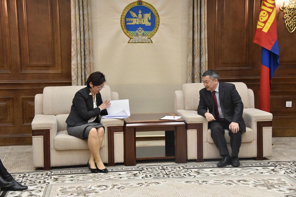 """""""Монгол Улсын Гадаад харилцааны тухай"""" хуулийн төслийг өргөн мэдүүллээ"""