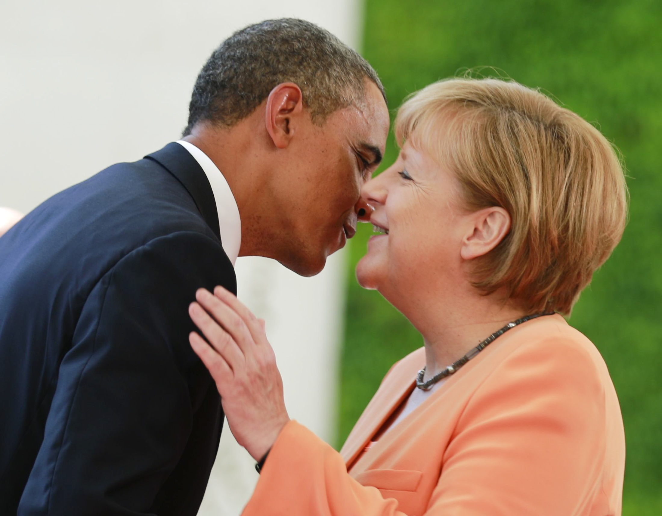Б.Обама, А.Меркел нарын дотно нөхөрлөл