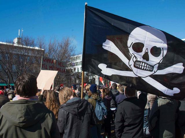 Исландад Далайн дээрэмчний нам төрөөс хамгийн их сонгуулийн санхүүжилт авна