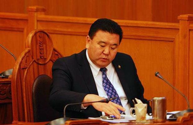Лу.Болд, Г.Батхүү тэргүүтэй Ардчилсан намын гишүүд Хан-Уулд нэр дэвших эрхээ авлаа