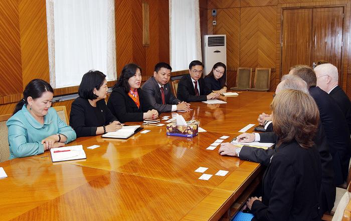 Канадын парламентын гишүүн Брэд Трост тэргүүтэй төлөөлөгчидтэй уулзлаа