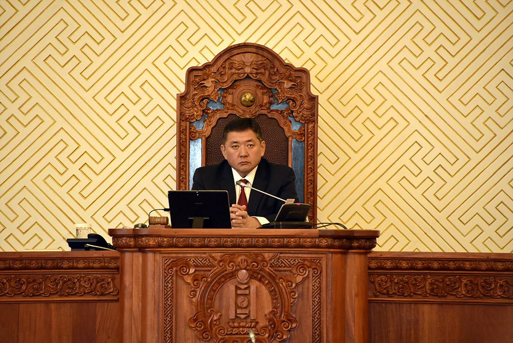 Монгол Улсын 2017 оны төсвийн тухай хуулийн төслийн нэг дэх хэлэлцүүлгийг хийлээ