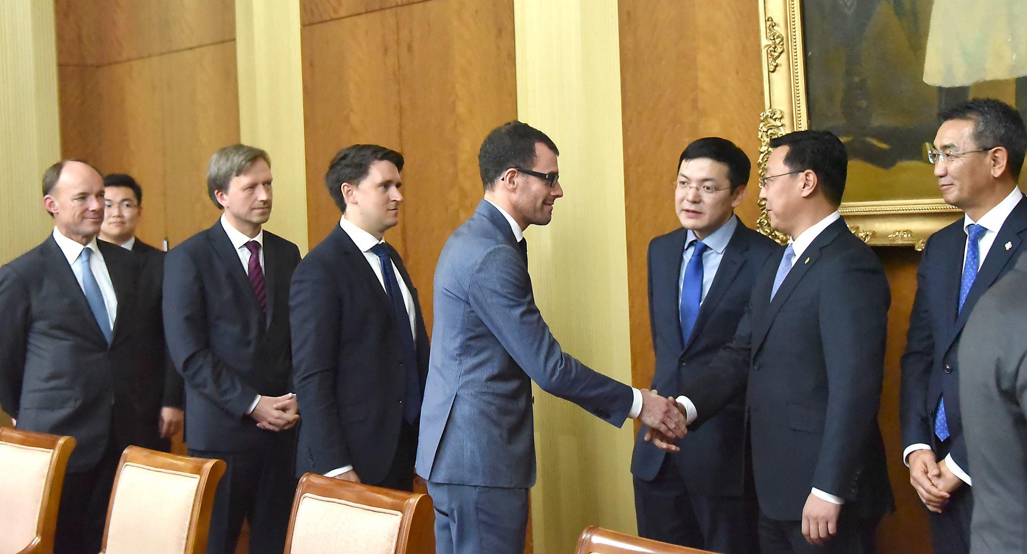 Европын холбоо болон түүний гишүүн орнуудаас Монгол Улсад суугаа, хавсран суугаа Элчин сайд нарыг хүлээн авч уулзлаа