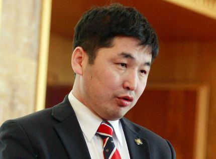 О.Баасанхүү: 45 нас хүрсэн, Монгол Улсын уугуул иргэн хэнийг ч хамаагүй нэр дэвшүүлье л дээ