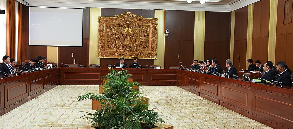 Дипломат албаны тухай хуулийг хэлэлцэхийг дэмжив